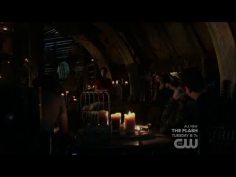 """Bellarke: """"Killing your own mom"""" + """"The good little night by his queen's side"""" Gina (The 100: 3x11)"""