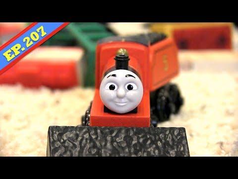 James in a Jam | Thomas & Friends Wooden Railway Adventures | Episode 207