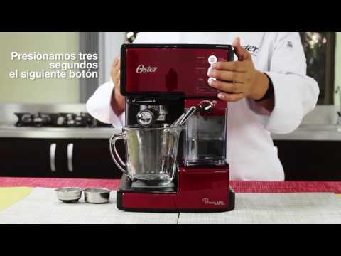 Prepara tu cafetera Oster® PrimaLatte® BVSTEM6601 para usarla por primera vez