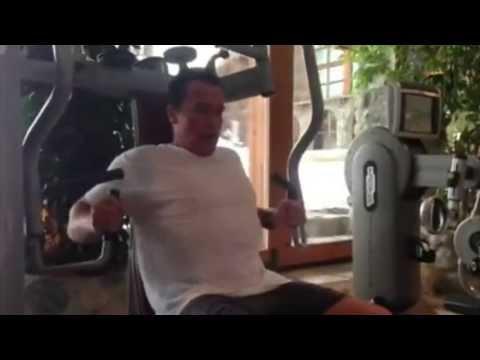 Arnold Schwarzenegger Bodybuilding Training – No Pain No ...