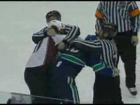 Cody McCormick vs Luc Bourdon