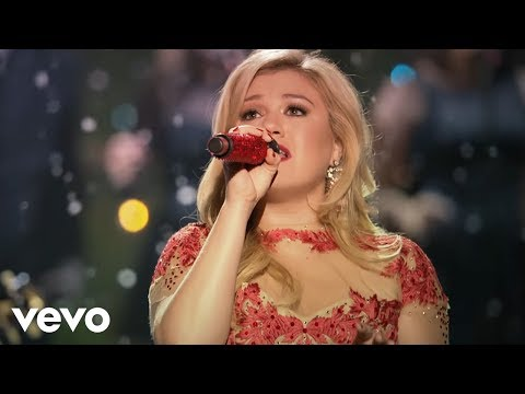 Kelly Clarkson - Underneath the Tree