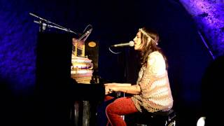 Terra Naomi - Up Here (Live @ Sentier des Halles)