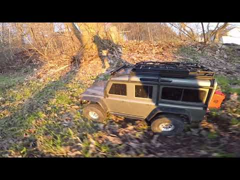 Traxxas TRX4 Defender (Sense Innovations ESS-DUAL 2 SPEAKERS Engine Sound Simulator)