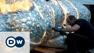 Sculptures made from melted CDs | DW English