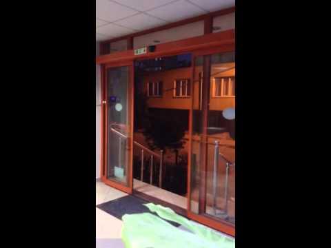 Ofis Giriş çift kanat otomatik kayar kapı