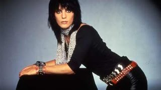 Joan Jett Right In the Middle
