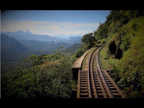 Passeio de trem de luxo entre Curitiba e Morretes