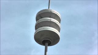 preview picture of video '[Genialer Sirenensound ever!] Dutch Air Raid Sirene Venlo Luchtalarm (HD)'
