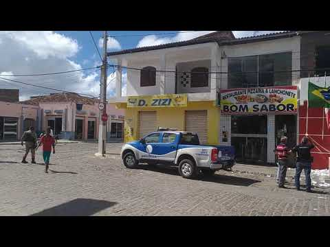 Polícia técnica analisa explosão na agência em Boa Vista do Tupim