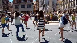 preview picture of video 'El Grup de Danses Agres intercanvi a Cella (Terol) el 10 i 11 d'agost 2013'