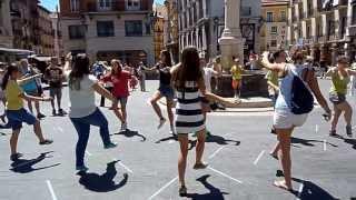 preview picture of video 'El Grup de Danses Agres intercanvi a Cella (Terol) el 10 i 11 d'agost 2013'