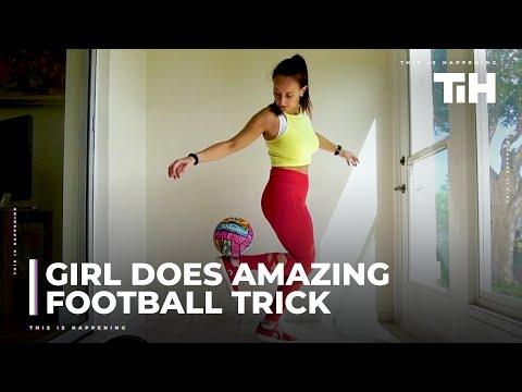 בחורה מציגה פעלולים עם כדורים בגדלים שונים