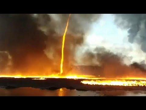 Ανεμοστρόβιλος από φωτιά κοντά σε εργοστάσιο πλαστικών…