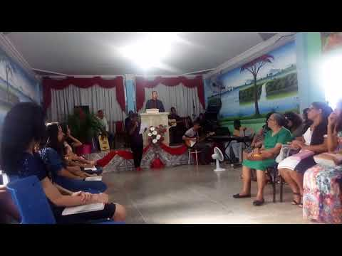 Suedno sousa louvando a deus na igreja deus é amor em boninal(1)