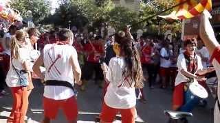 preview picture of video 'Cornuts Percussió + Timbalers Diables Rojos - Cercavila 2013 Sant Feliu de Llobregat'