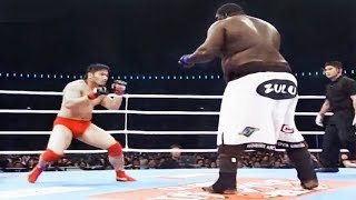 Боец вышел на бой против огромного амбала и охренел / Это вам не UFC - 185 kg VS 91 kg
