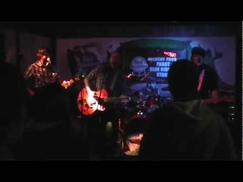 The American Dead - Southbound @ The Crunchy Frog