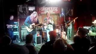 """Charlie Robison Performing """"My Home Town"""" at Firehouse Saloon"""