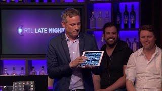 Gambar cover Bizarre trucs: Simon tovert voorwerpen uit iPad  - RTL LATE NIGHT