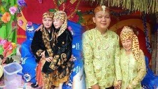 Viral Pernikahan Beda Usia di Bangka, Berawal Jadi Nasabah dan Telepon hingga Berlanjut ke Pelaminan