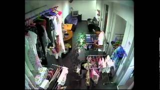 MAN STEAL LADY LINGERIE AT BALESTIER