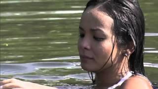 Carol Nakamura em Guaraqueçaba com o homem peixe
