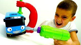 Мультики про машинки 🚌 Автобус ТАЙО попал под дождь и сломался! Видео и Игры для детей #игрушки