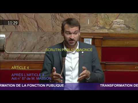 Ugo Bernalicis, député Insoumis, imite Nicolas Sarkozy à l'Assemblée