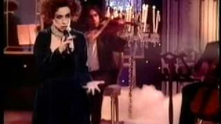 Annie Lennox WALKING ON BROKEN GLASS (1992 UK TV)