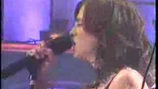 "The Donnas - ""I Don't Want To Know"" Live"