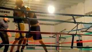 preview picture of video 'boxeo de maxi cabrera vs zurdo-san salvador de jujuy-28-03-2015'