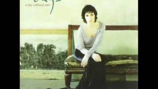 Enya   (2000) A Day Without Rain   06 Flora's Secret