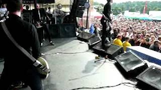 Anti-Flag - This is the End / Cities Burn (finale)