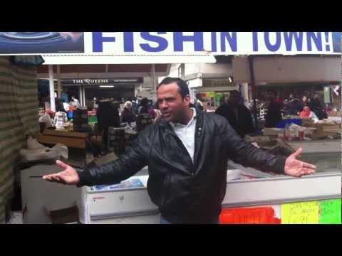 Londra, Vende il pesce cantando