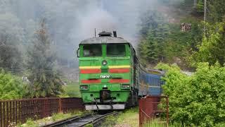 2ТЭ10М-2421 с пассажирским поездом Киев - Ворохта прибывает на ст.Ворохта