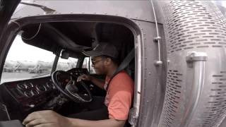 Download Video Trucking | LongNose Needs Help MP3 3GP MP4