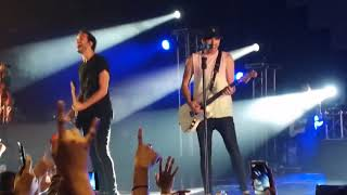 All Time Low - Lost in Stereo (Live in Manila 2017)
