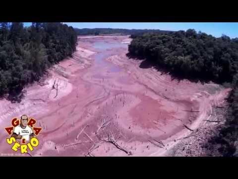 Em 2014 a represa de Juquitiba estava assim secando