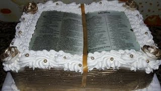 BOLO DECORADO COM TEMA BÍBLIA ABERTA
