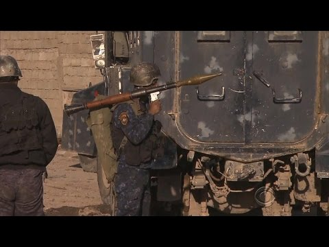 Iraqi forces fight back against ISIS in Mosul