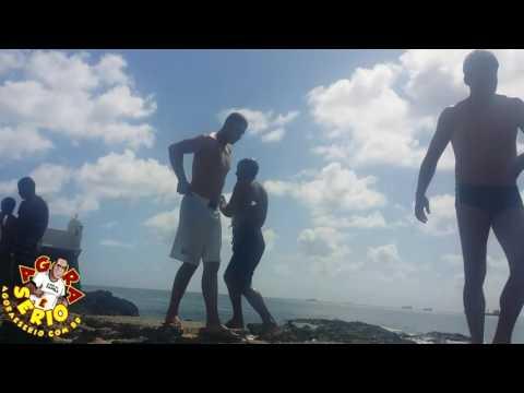 Repórter Favela com os Meninos Peixe em Salvador Bahia
