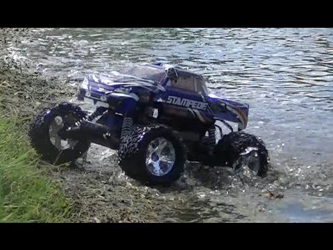 Traxxas Stampede Review and Driving!