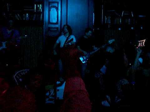 Sekond Natue performing Sweet child of mine LIVE @ Brickel Irish Pub
