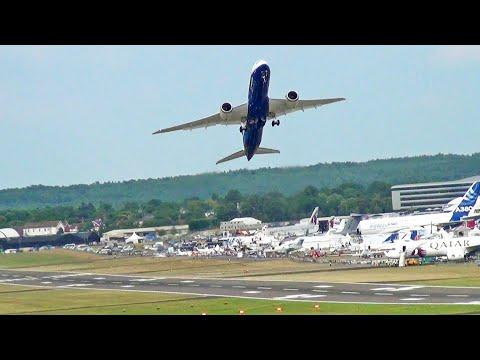Watch This Boeing Dreamliner's Stunning Vertical Take-Off Stunt