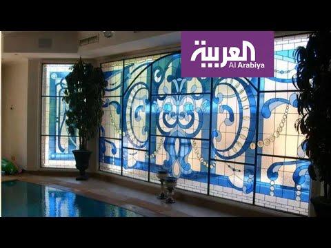 العرب اليوم - شاهد: الزجاج المعشق تؤلّف وفق تصميم يضعه فنان