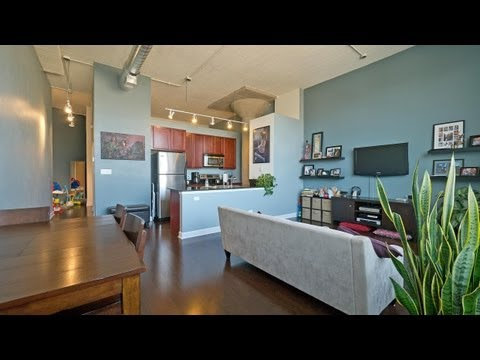 Rent a bright, stylish loft in a transit-friendly location