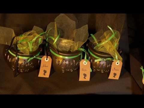 DIY Halloween Bruxa : caldeirão preto e verde