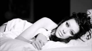 Christina Aguilera: 9 Eb3s and a C3 in Cruz (Unision)