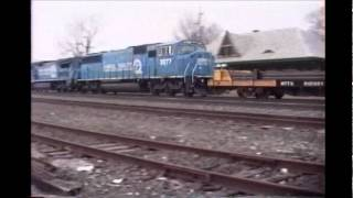 preview picture of video 'Conrail Chicago Line - 1997 in Wauseon Ohio'